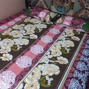 Pink and Green Bedsheet 06 price in Pakistan